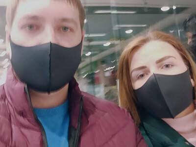 Многоразовая защитная маска имеет универсальный размер, подойдет мужчинам и женщинам